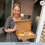 Winkeliers van Berkel Centrum verrassen moeders met Moederdag!